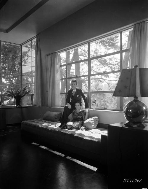 it s gloria swanson s fault. Black Bedroom Furniture Sets. Home Design Ideas